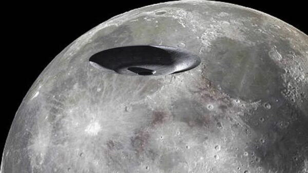 New unique video with huge UFOs on the Moon 1