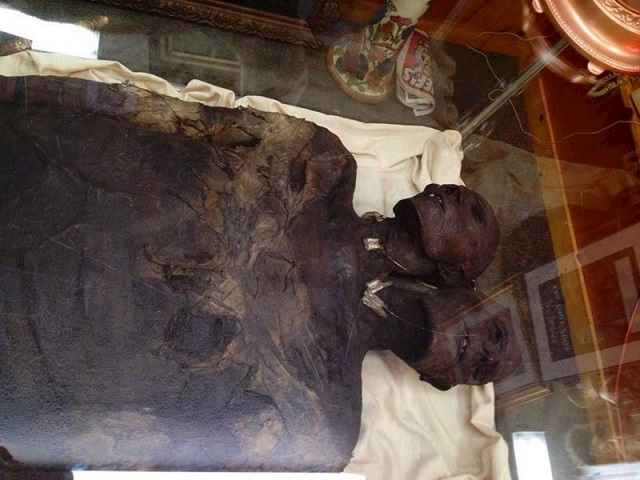 Mysterious 3.5 meter two-headed giant from Patagonia puzzles anthropologists 7