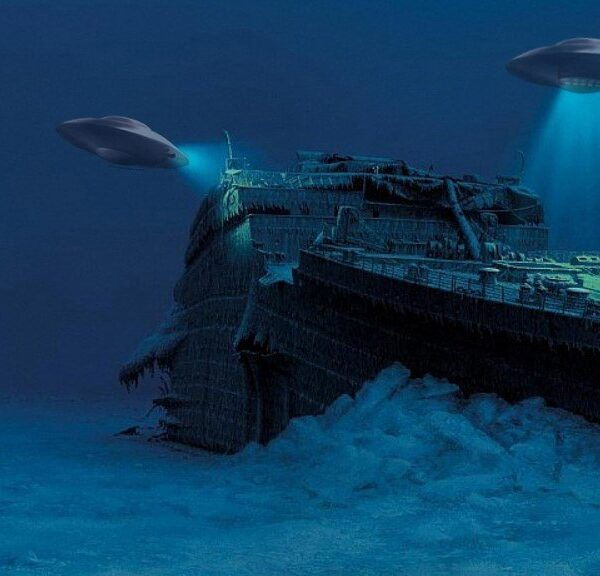 """A scientist put forward the version that the """"Titanic"""" was sunk by aliens 3"""