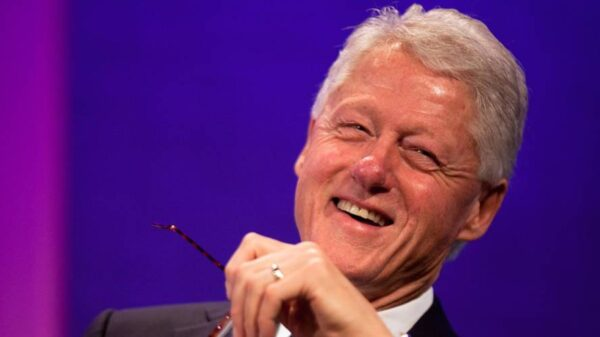 """Former US President Bill Clinton said there is life in space, UFOs """"fly around"""" 24"""