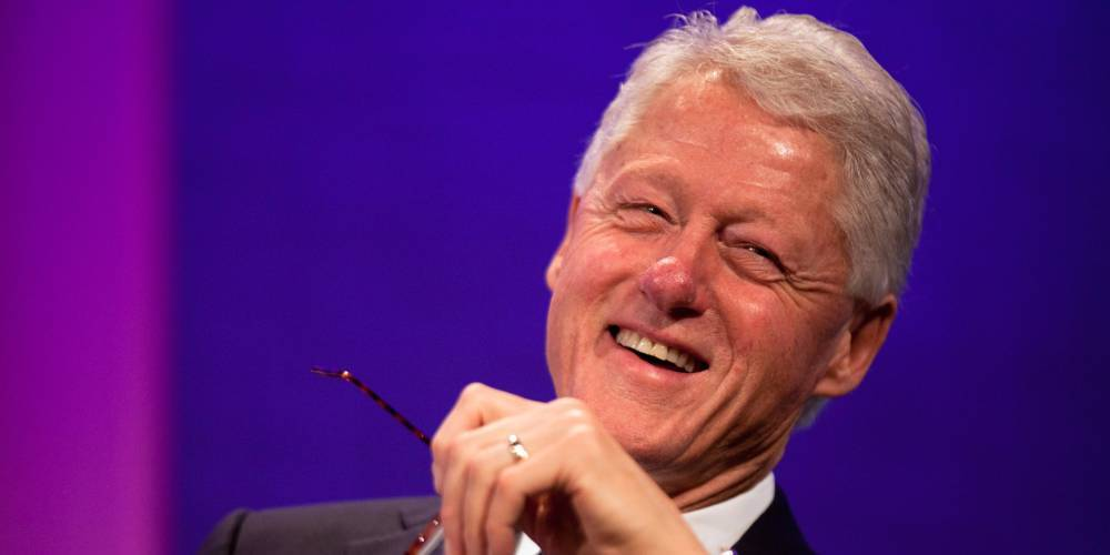 """Former US President Bill Clinton said there is life in space, UFOs """"fly around"""" 1"""
