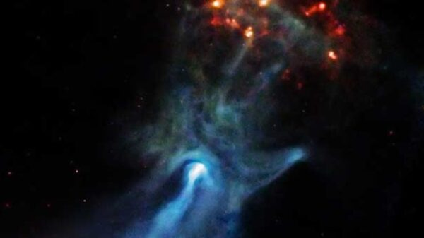 """Astronomers have discovered a giant """"ghost hand"""" that stretches 150 light-years through space 19"""