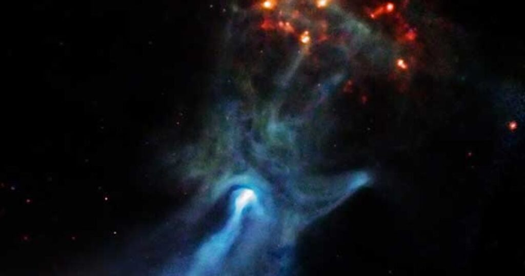 """Astronomers have discovered a giant """"ghost hand"""" that stretches 150 light-years through space 1"""