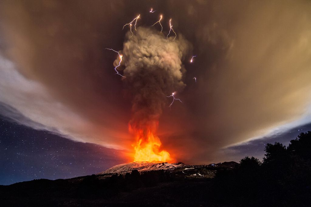 Massive Volcanic eruption is expected in the Canary Islands after 4200 microearthquakes 1
