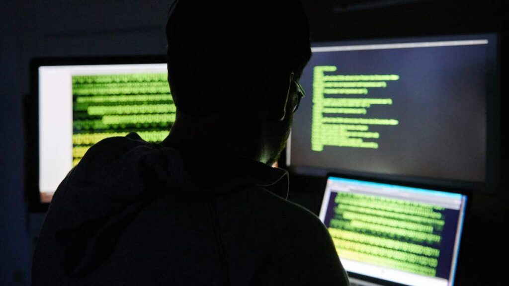 Facebook stopped working, and after it the whole Internet. Meanwhile, Darknet sells data from 1.5 billion Facebook users 1